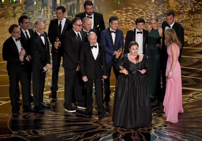 Elenco e equipe de Spotlight, o vencedor na categoria melhor filme